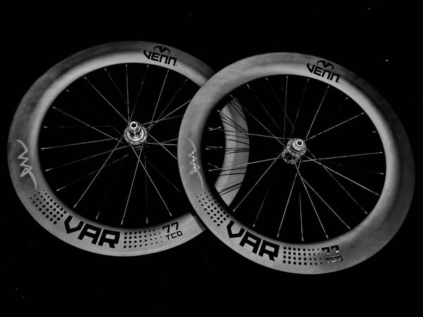 Venn VAR 77 - Artificial Intelligence Design Rims . Chris King R45