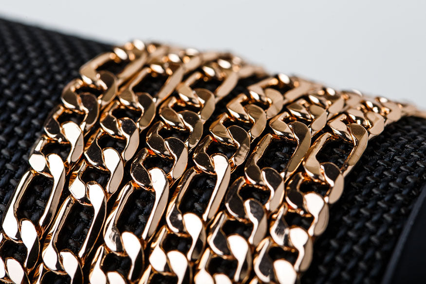 closeup gold link chains