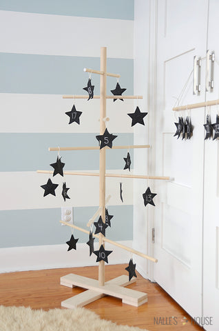 Stylish Christmas Advent Calendar Ideas You Can Totally DIY -- great for the holidays and festive season, easy to make, some have step-by-step instructions