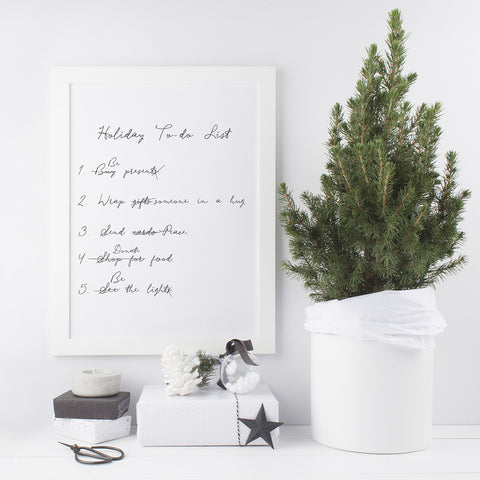 Download and print this FREE simple and mindful holiday to-do list to help you stay on track this festive season.