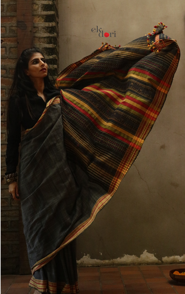 The Grey Murmurs Bhujodi Saree : Pure Cotton Bhujodi Handloom Saree