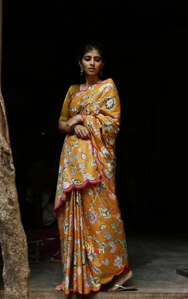 Orange Sorbet Scalloped Cotton Saree : Orange Pink Floral Cotton Saree