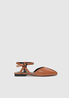 Square Back Strap Shoes