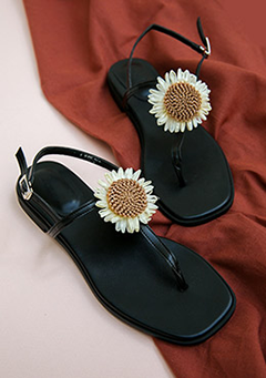 Beauty Of Daisy Sandals