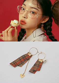 London Girl Earrings