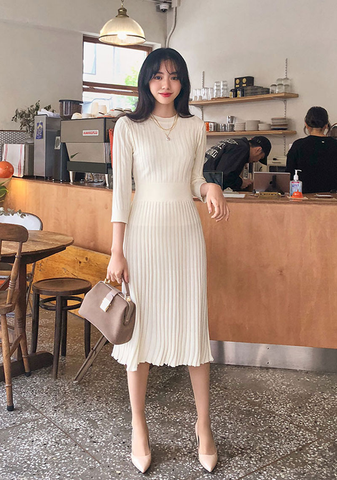 Ribbed Pleated Knit Dress
