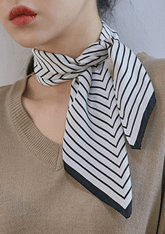 Laura Stripe Scarf