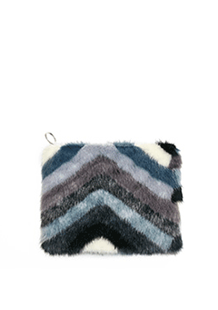 Point V Fur Clutch