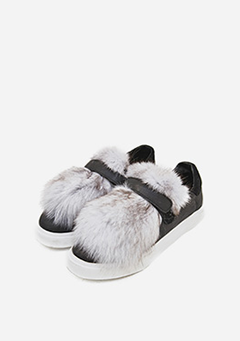 Fox Fur Easy Sneakers