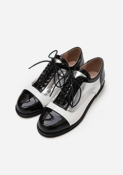 Glossy Point Flats