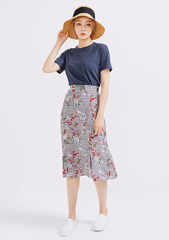 Check Pattern Floral Skirt