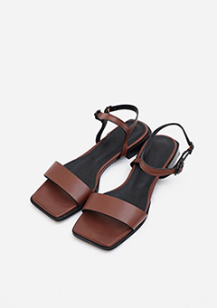 Squared Leather Strap Sandals