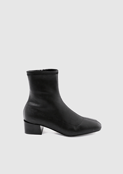 Span Ankle Boots