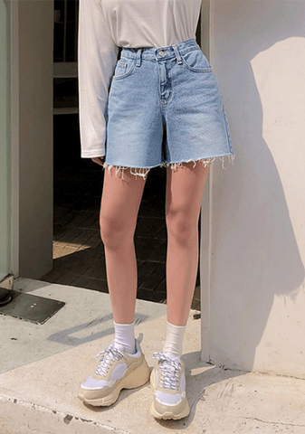 Naughty Girl Loose Denim Shorts