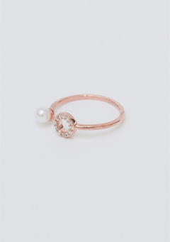 Circle Cubic Pearl Ring