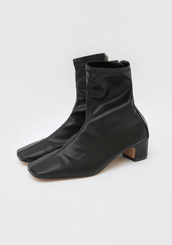 Low Heeled Chic Ankle Boot