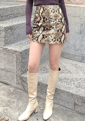 Eye-Focused Snake Print Mini Skirt