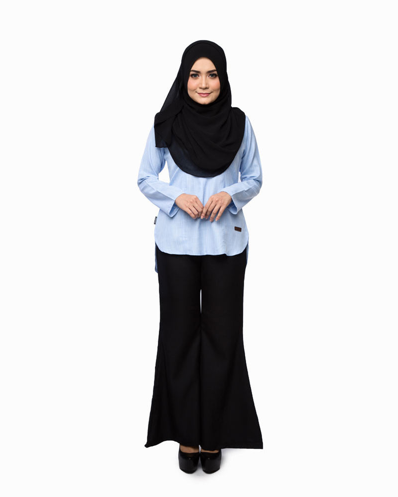 Belladonna Blouse light blue full front