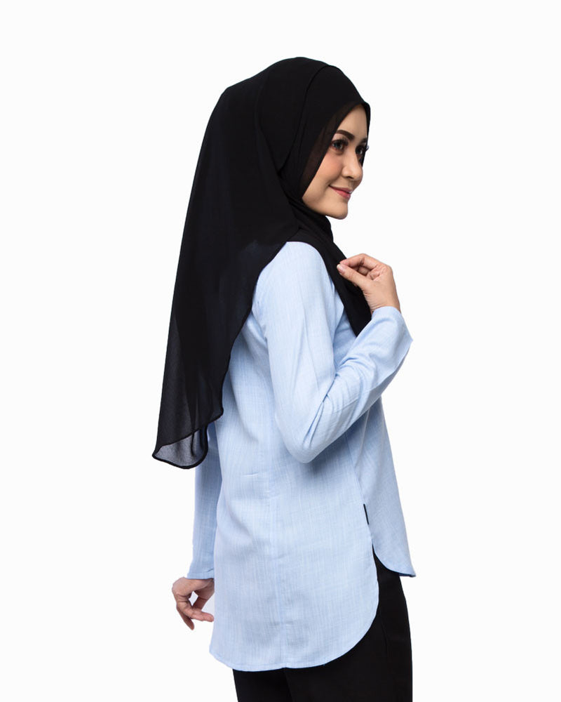 Belladonna Blouse light blue rear