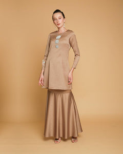 Queen Luxe Kurung Brown