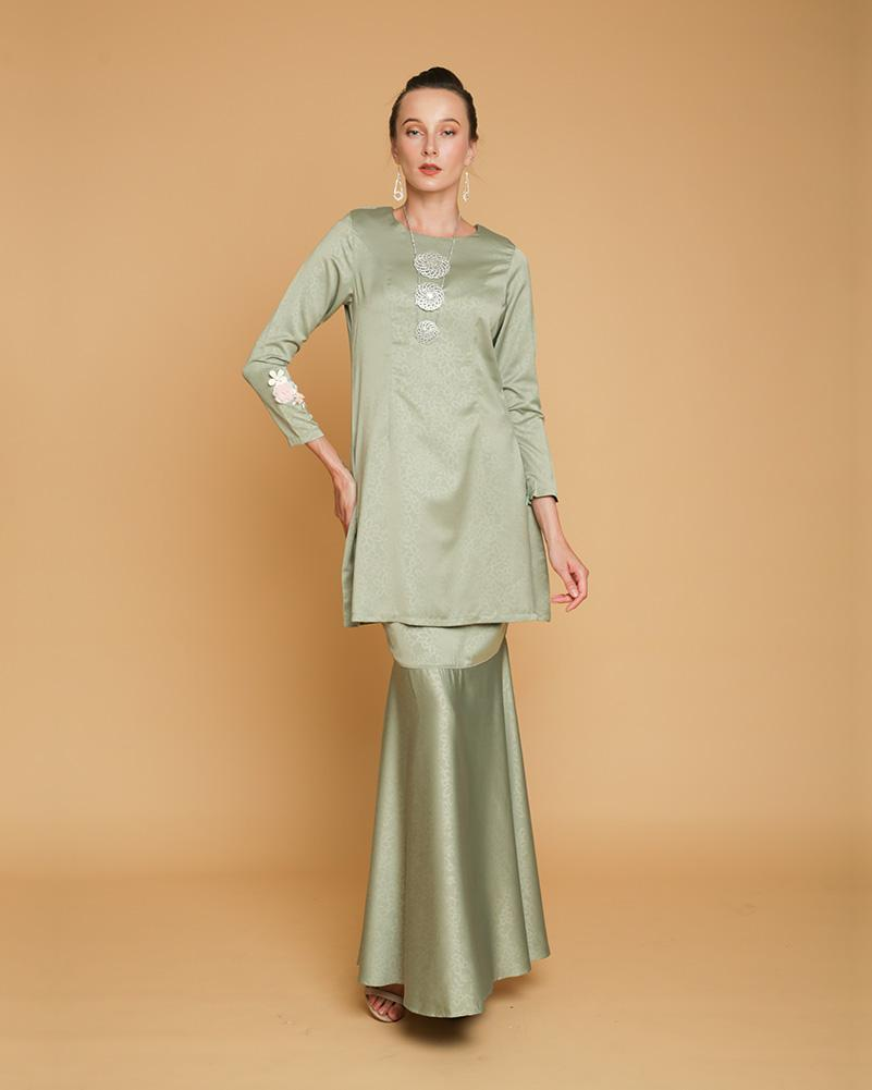 Queen Luxe Kurung Mint Green