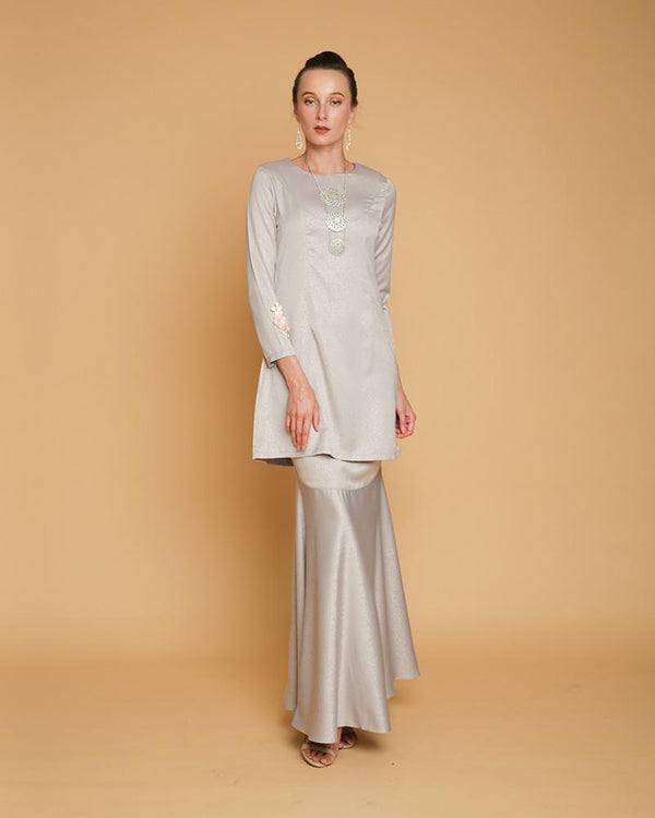 Queen Luxe Kurung Soft Grey