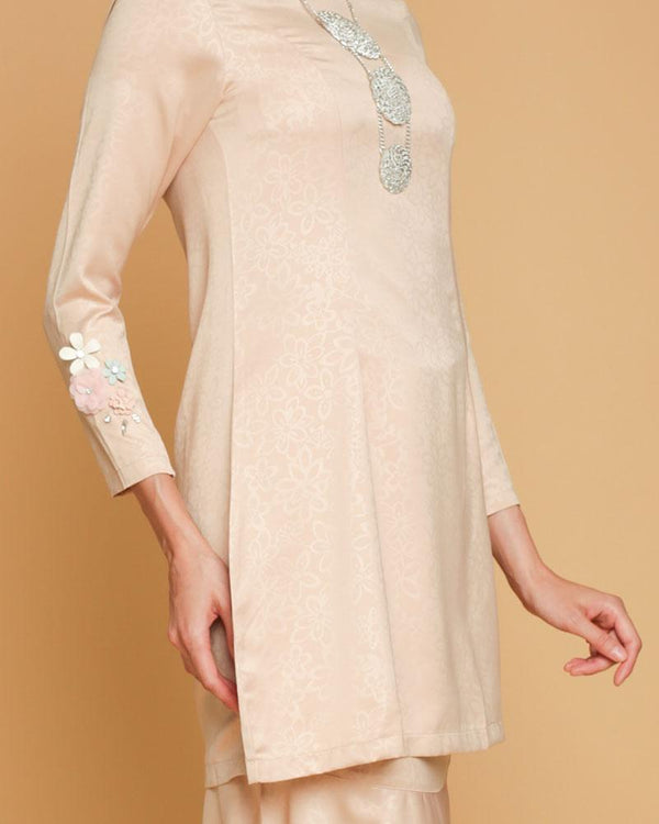 Queen Luxe Kurung Cream