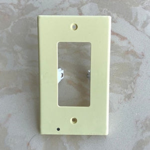 OUTLET WALL PLATE WITH LED NIGHT LIGHTS-NO BATTERIES OR WIRES [UL FCC CSA CERTIFIED] - Your Lifestyle Corner