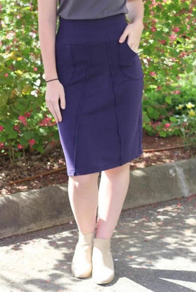 Pencil bamboo skirt with pockets.
