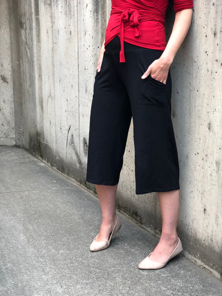 Flow Bamboo Capri Pants