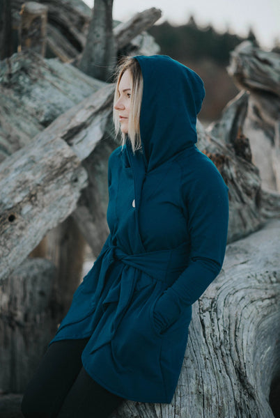 Bamboo wrap in bamboo fleece, teal colour.