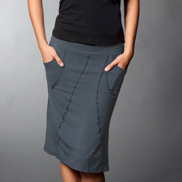 Grey bamboo skirt with pockets, front view.