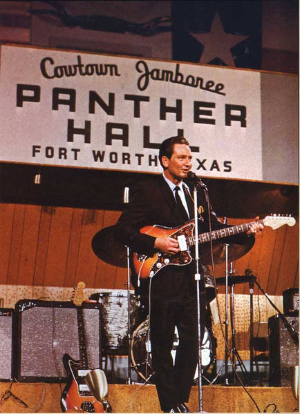 Willie Nelson in 1966 with a Fender Jazzmaster