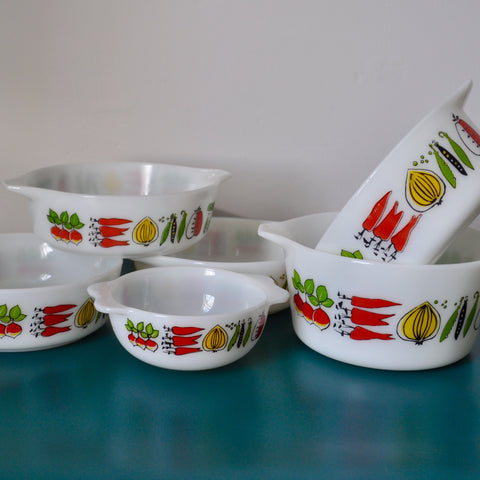 Vintage Pyrex dishes 'Harvest'