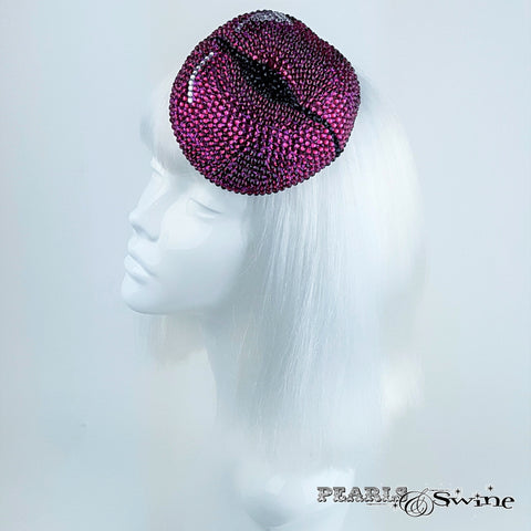 Lips hat encrusted in diamantes