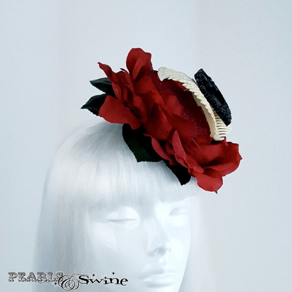 Eccentric Red Rose Heart and Been hat
