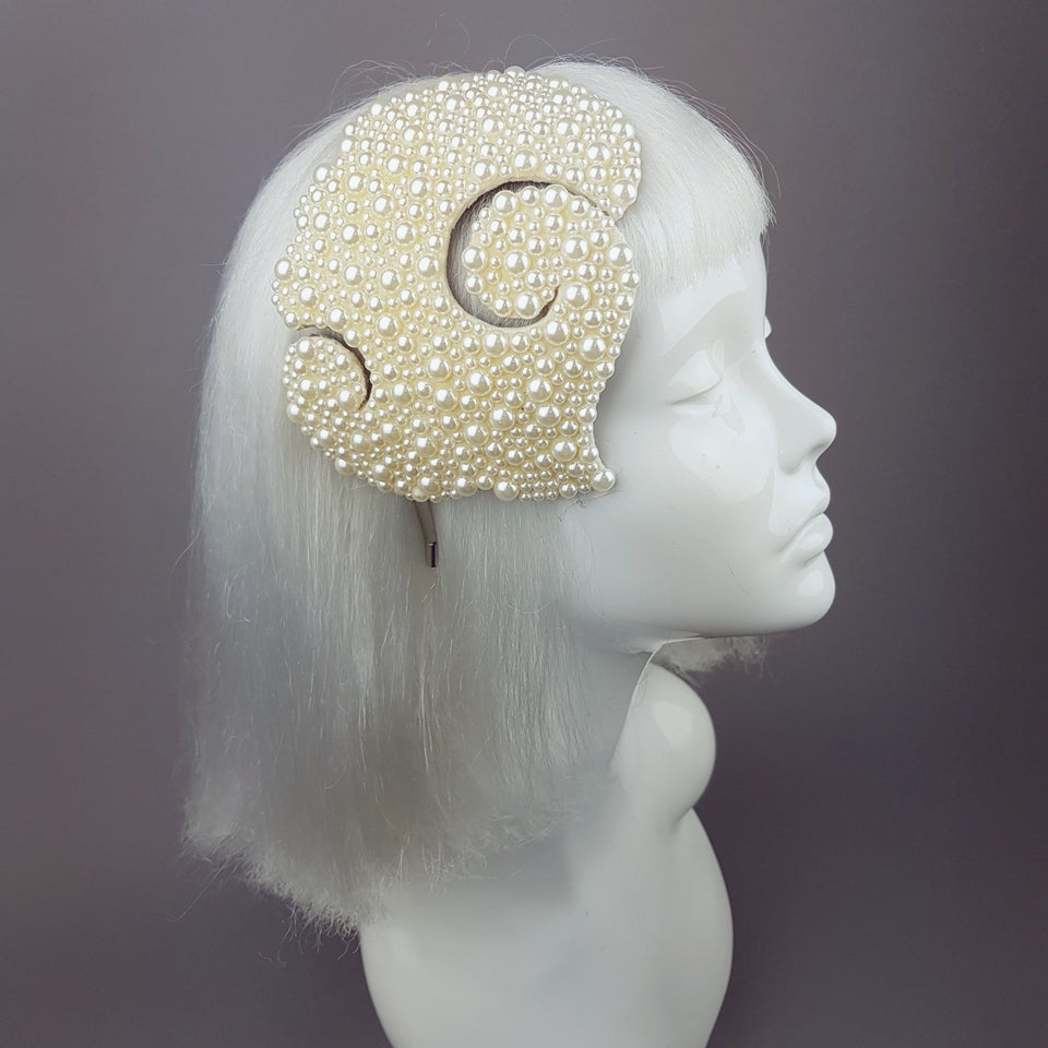 """Pearly Bubbles"" Vintage Fascinator"