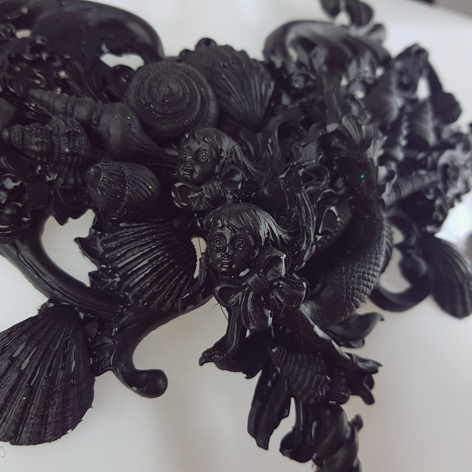 """Mondao"" Ornate Black Mermaid Filigree Neckpiece"
