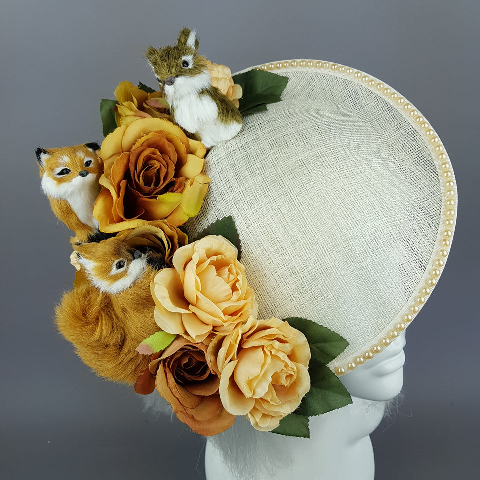 """Dosque"" Ivory Pearl Floral Hat with Woodland Animals"