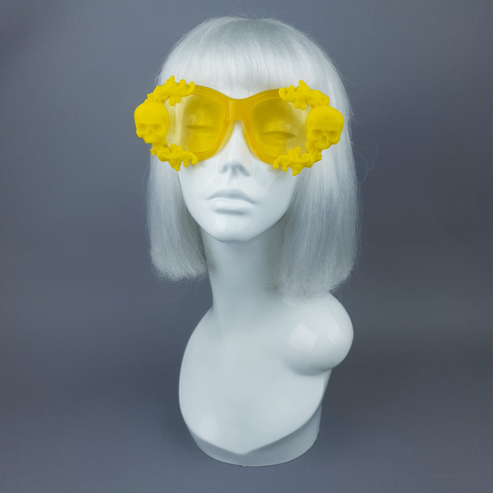 """Aurelio"" Yellow Unisex Sunglasses with Skulls"