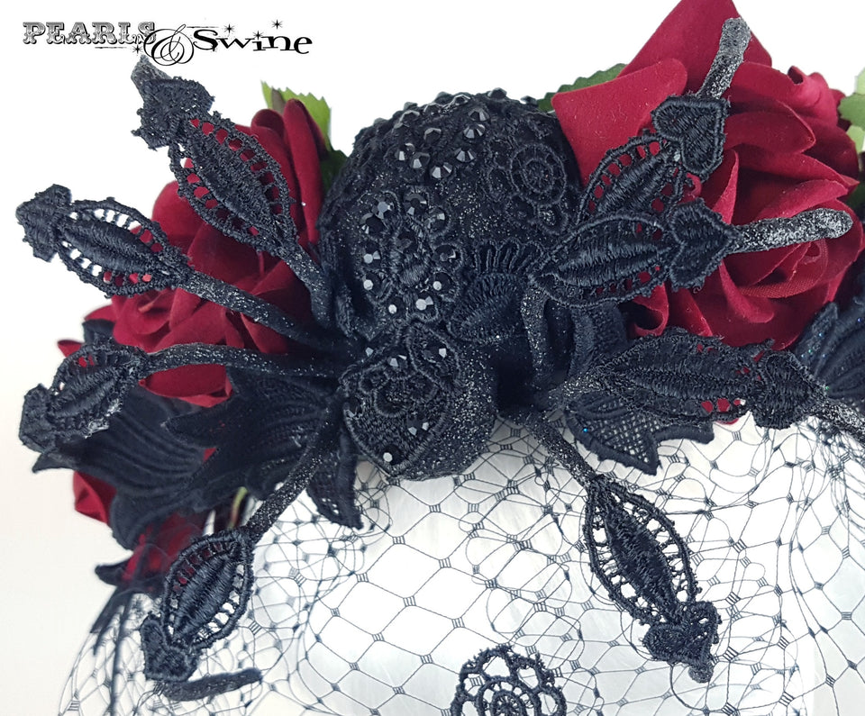 Veiled headband with Spiders and roses