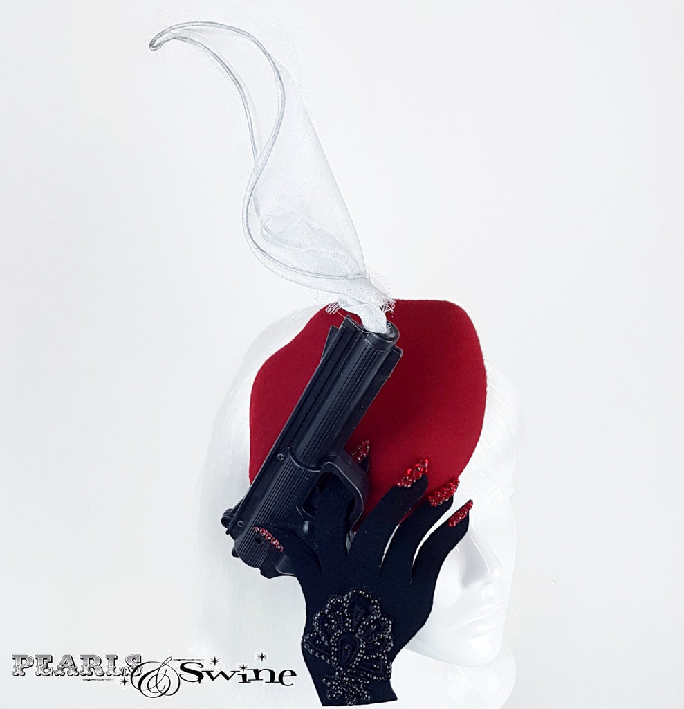 Smoking gun red lips hat