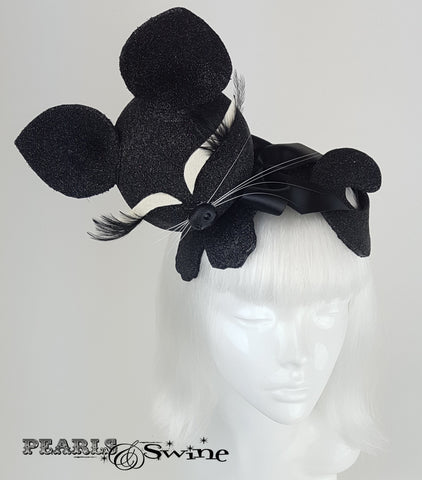 Black glitter sleeping cat vintage style hat