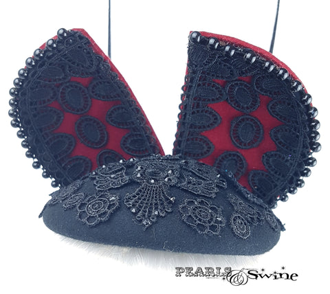 Lace detailed ladybird hat