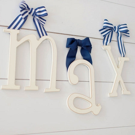 hanging wall letter