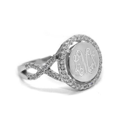 Round monogrammed Ring with CZ