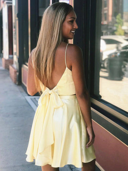 A Line V Neck Two Pieces Backless Yellow Short Prom Dresses Homecoming Dresses with Slit, Two Piece Yellow Formal Graduation Evening Dresses