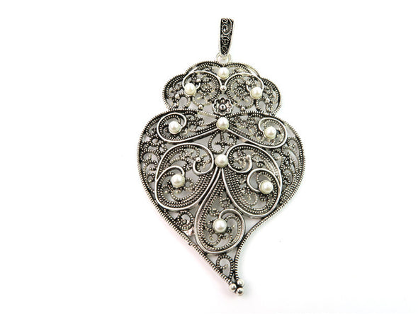 5 Pcs Antique Silver Viana Heart pendant  jewelry supplies jewelry finding D-3-44