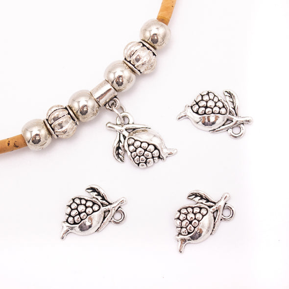 30 units 19x11mm  Pendant antique silver flower Necklace  jewelry pendant Jewelry Findings  D-3-470