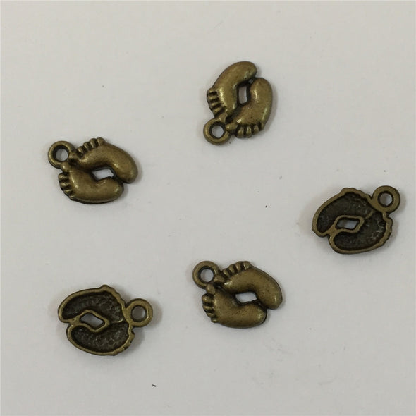 30units antique brass small Footprints, footprints pendant charms jewelry finding suppliers D-3-140